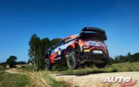 Thierry Neuville, al volante del Hyundai i20 Coupé WRC, durante el Rally de Estonia 2021, puntuable para el Campeonato del Mundo de Rallies WRC.
