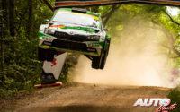 Marco Bulacia, al volante del Skoda Fabia Rally2 Evo WRC 2, durante el Rally de Estonia 2021, puntuable para el Campeonato del Mundo de Rallies WRC 2.