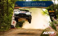 Adrien Fourmaux, al volante del Ford Fiesta Rally2 Mk2 WRC 2, durante el Rally de Estonia 2021, puntuable para el Campeonato del Mundo de Rallies WRC 2.