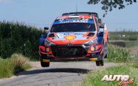 Ott Tänak, al volante del Hyundai i20 Coupé WRC, durante el Rally de Bélgica 2021, puntuable para el Campeonato del Mundo de Rallies WRC.