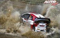 Elfyn Evans, al volante del Toyota Yaris WRC, durante el Rally de Grecia 2021, puntuable para el Campeonato del Mundo de Rallies WRC.