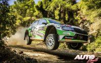 Andreas Mikkelsen, al volante del Skoda Fabia Rally2 Evo WRC 2, durante el Rally de Grecia 2021, puntuable para el Campeonato del Mundo de Rallies WRC 2.