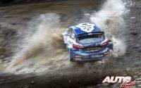 Nikolay Gryazin, al volante del Ford Fiesta Mk2 Rally2 WRC 2, durante el Rally de Grecia 2021, puntuable para el Campeonato del Mundo de Rallies WRC 2.